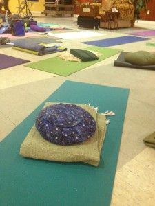 Barefoot Yoga mat looking beautiful at workshop with Yogi Master Amrit Desai