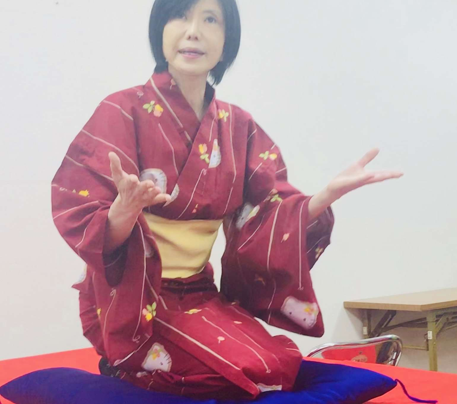 Kitty tells a traditional Rakugo story in English.